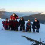 První vrcholovka a první skupinové foto.
