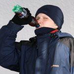 Ranní zima se dobře zahání vodkou.
