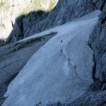 Cesta na klettersteig Johann vedla i přes sněhové pole.