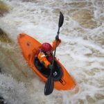 Závěrečný dvoumetrový skok na řece Spean.