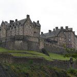 Hrad v centru Edinburghu.