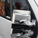 Uražené zrcátko na karavanu bylo bleskově nahrazeno novým.