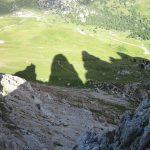 Pohled dolů během lezení.