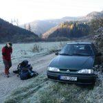 Ráno vycházíme od auta z vesničky Pod Fatrou.