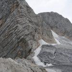 Ledovec a nástup do cesty na vrchol Dachsteinu.