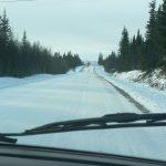 Silnice byla většinou pod sněhem, místy uježděným.