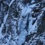 Zamrzlý vodopád nad Brnčálou.