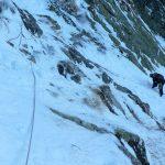 Řezězy do Malé zmrzlé doliny byly zamrzlé pod sněhem.