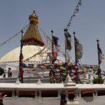Stupa v Boudhanathu. Narozdíl od hindu míst krásně upravené a čisté místo.