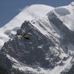 Vrtulník létá i sem, většinou na záchranné akce.
