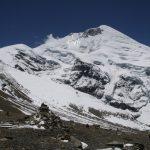 Nádherný Tukuche Peak se spoustou vodního ledu.