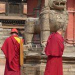 Velká socha nepálského lva.