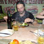 Dal bhátovou dietu na treku jsme kompenzovali stejkovou terapií.