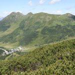 V údolí pod námi jsme minuli lyžařské středisko Planeralm.