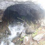 Tunel ve sněhu.