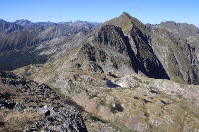 Pohled na vrchol Süßleiteck z vrcholu Sauofen.