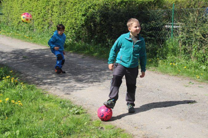 Hrajeme fotbal.