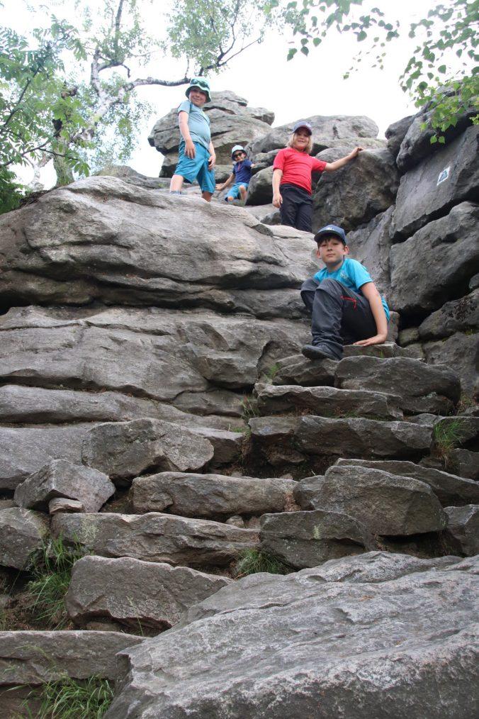 Na Devíti skalách.